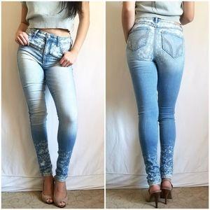 Hollister Super Skinny High Rise Bleach Light Jean